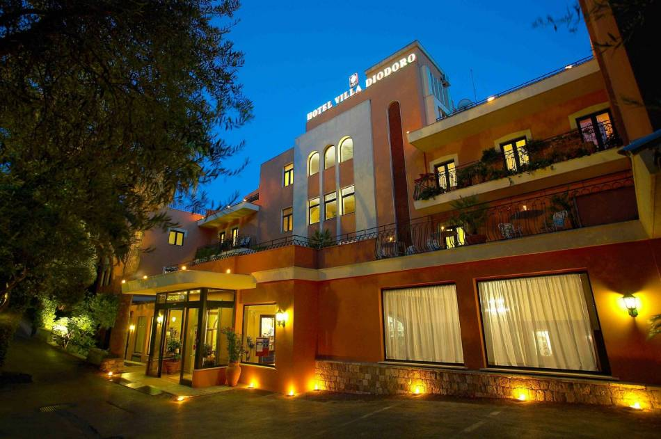 Choose your hotel in sicily for Hotel villa taormina