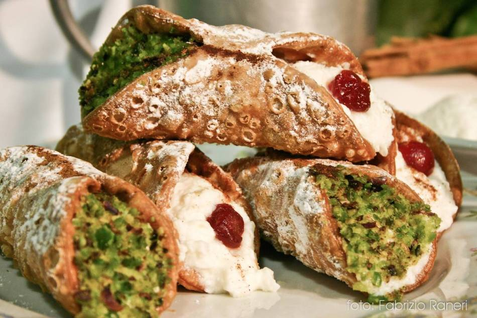 Gastronomy tour of sicily cannoli siciliani